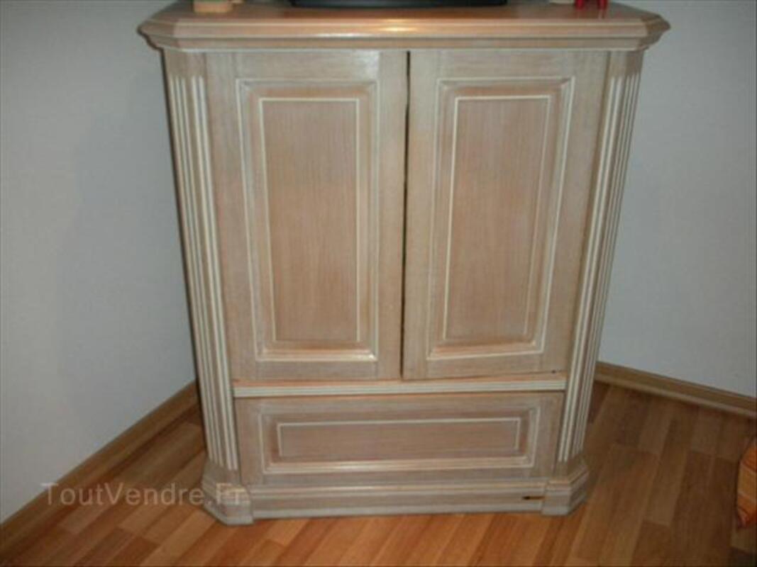 Beau meuble TV en hêtre massif cérusé marque delorme 55802329