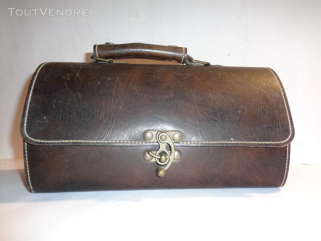 Belle sacoche ancienne en cuir véritable 179631416