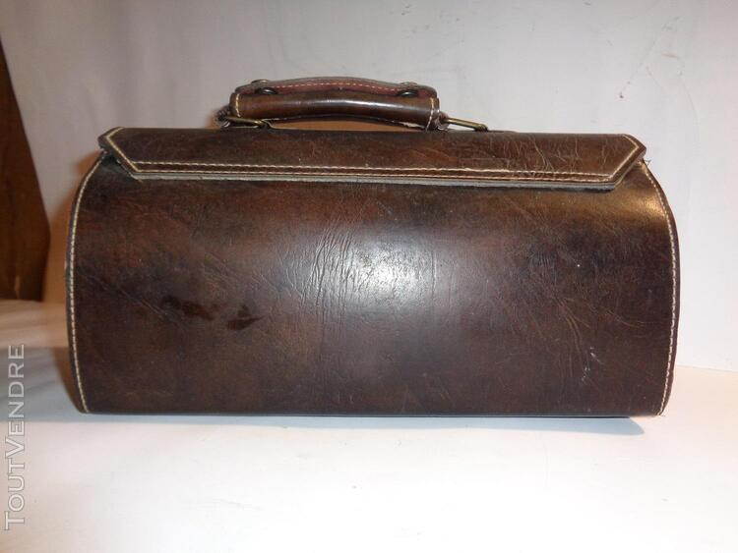 Belle sacoche ancienne en cuir véritable 179631419