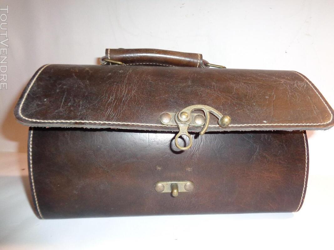 Belle sacoche ancienne en cuir véritable 179631425