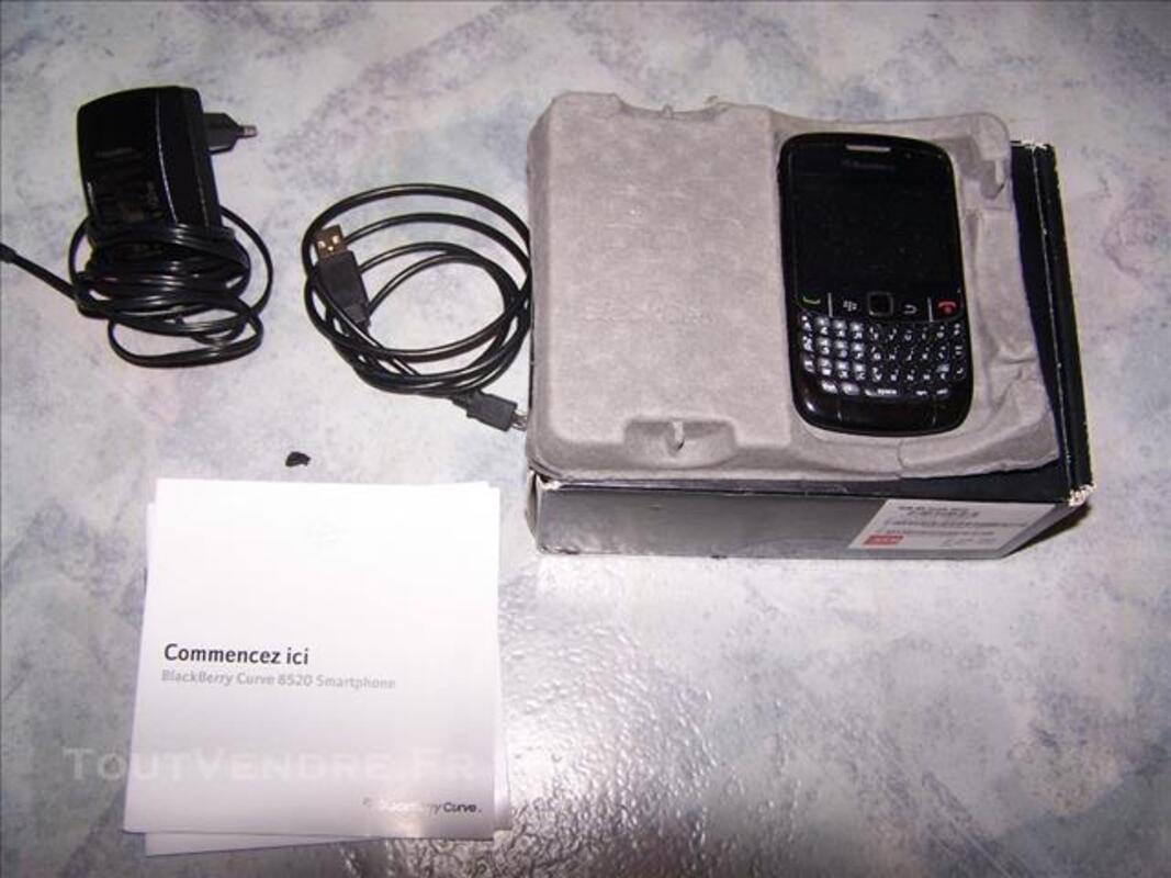 BlackBerry Curve 8520 (peu utilisé). SFR 84778881