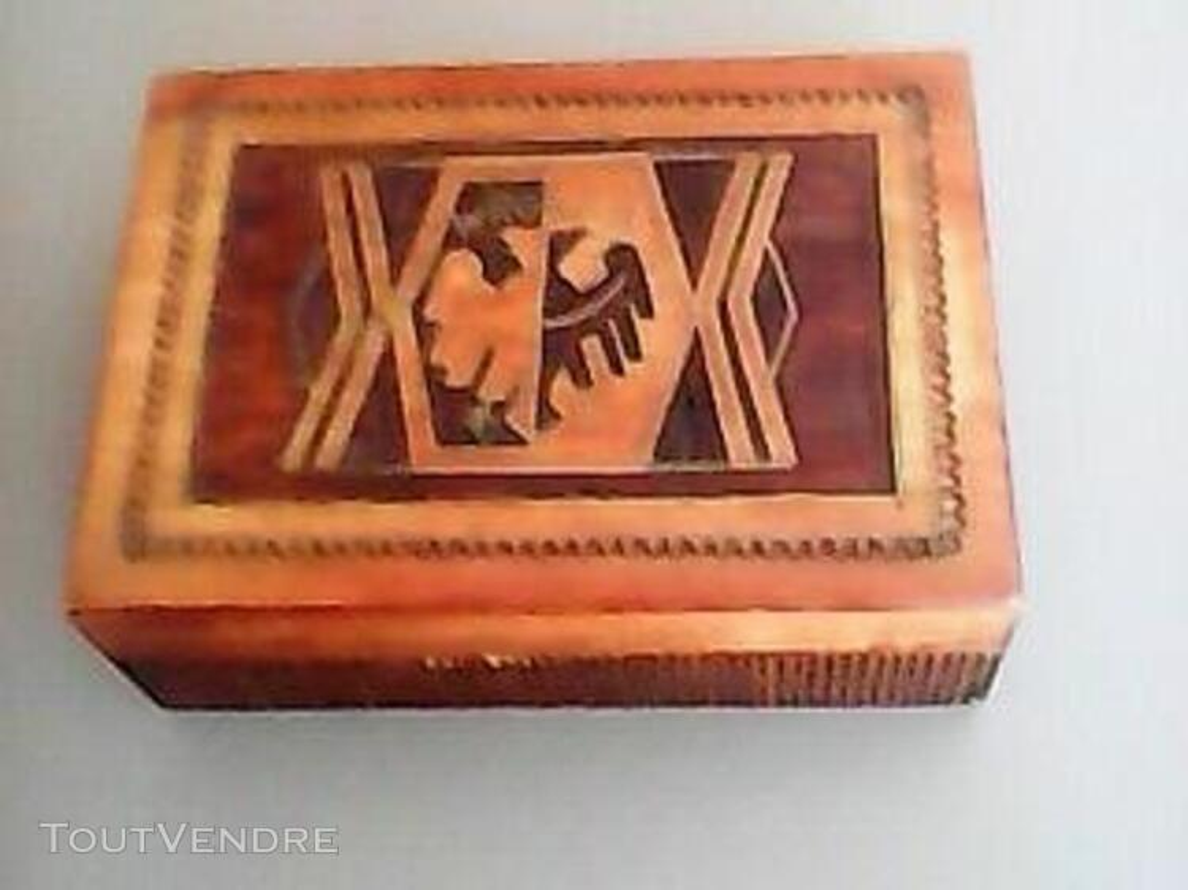 Boite en bois sculptée - Travail artisanal 483965350