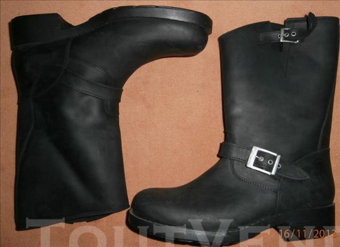 Bottes neuves en cuir pour moto taille 44 83771754