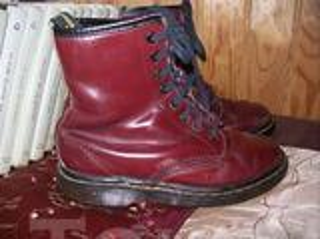 Bottines DOC MARTENS vintage .cuir  .Taille 36 . ( 28 )