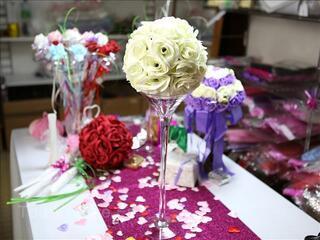 Boule de roses ivoire Ø20cm pour centre de table