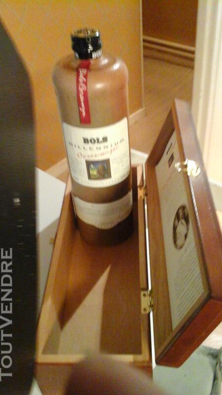 Bouteille genievre BOLS dans son coffret en bois 180086754