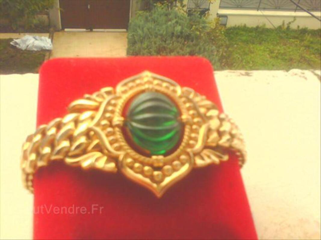 Bracelet plaqué or signé 64638598