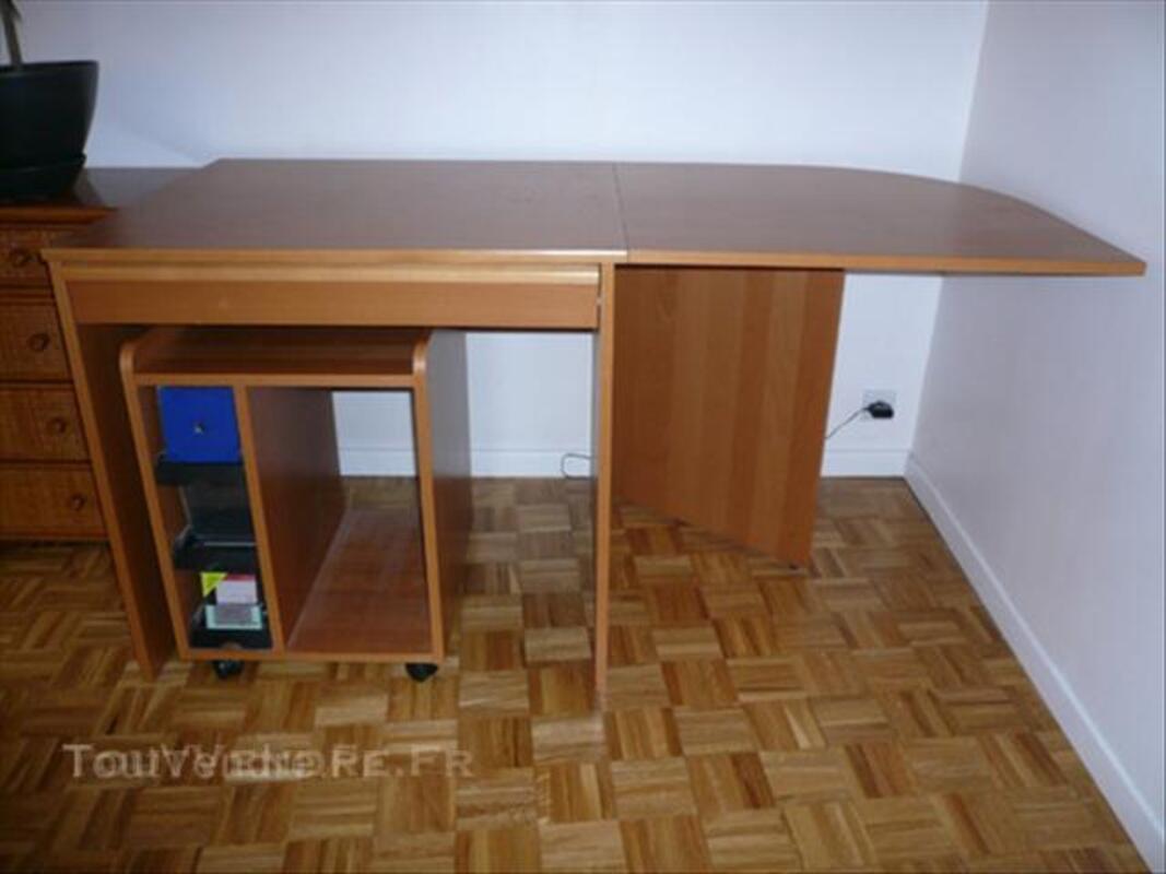 Bureau + caisson sur roulettes IKEA 44704477