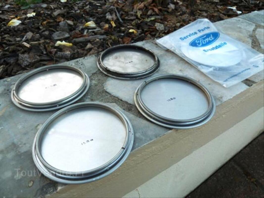 Caches centraux de jantes alu de Ford Fiesta XR2i 16v 46107592