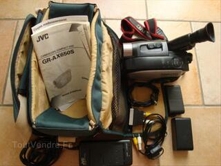 Caméra JVC GR-AX 650S VHS-C