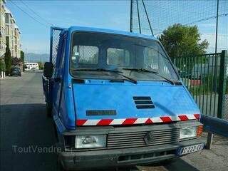 Camion benne renault trafic