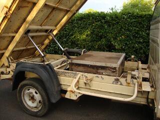 Camion J5 Dangel 4X4 benne basculante 2,5l TD