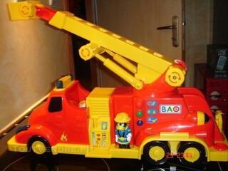 Camion pompiers trilingue BAO