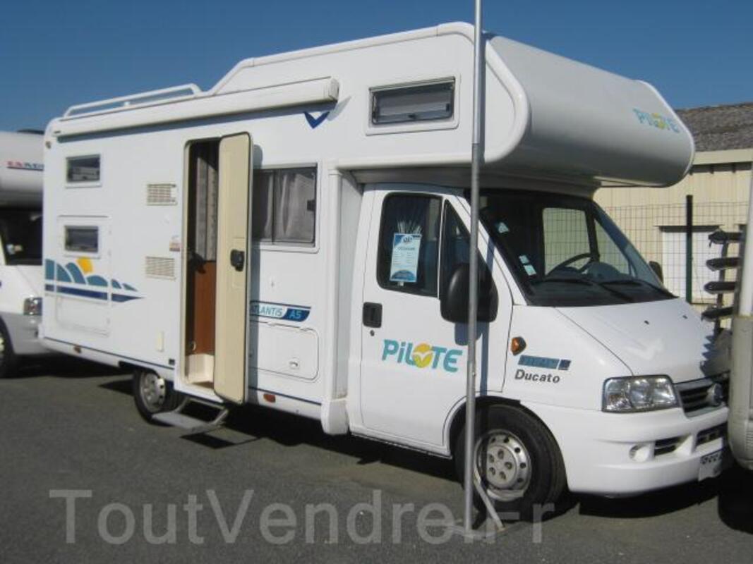 Camping car Pilote A5 65300108
