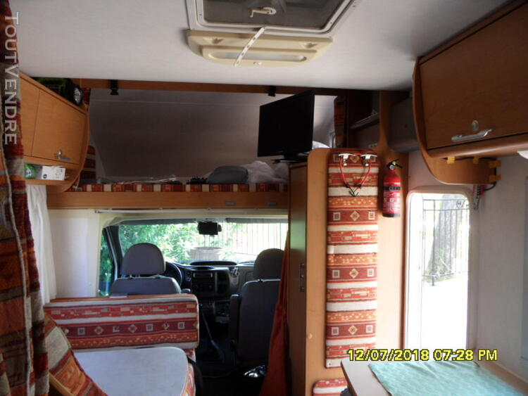 Camping car 437463197