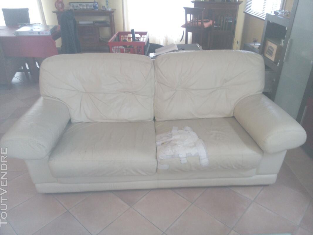 Canapé et fauteuil 130938329