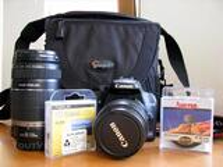 Canon EOS 1000D et nombreux accessoires