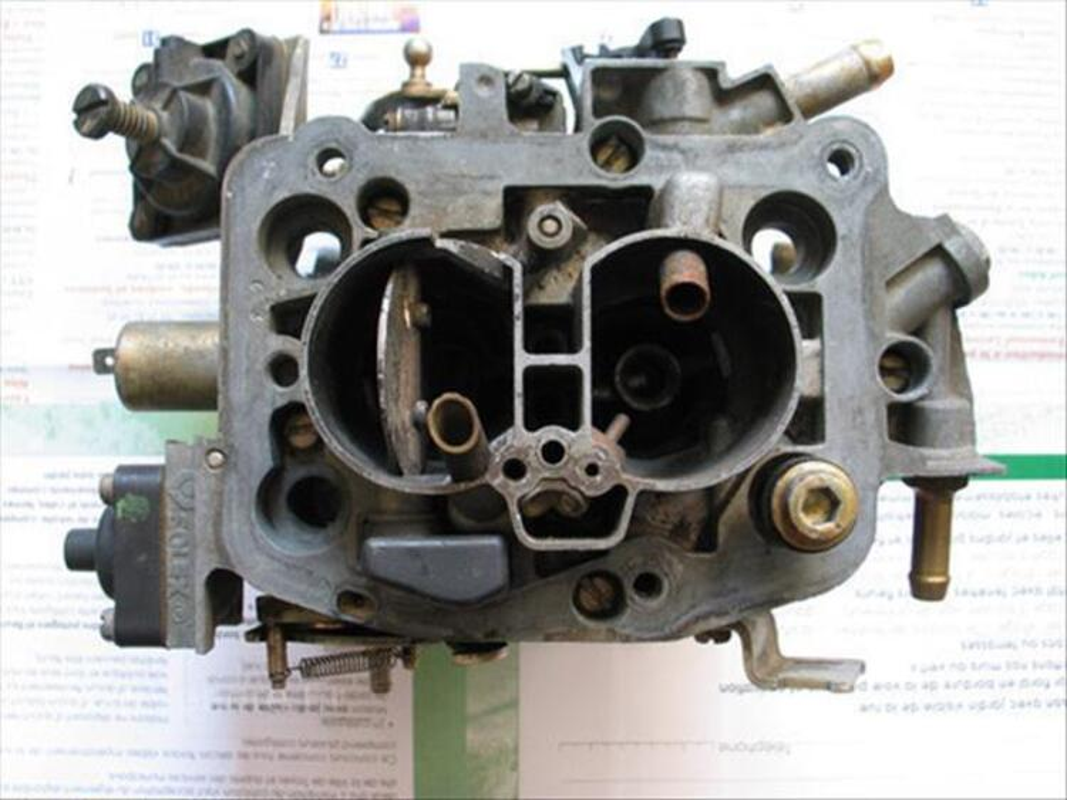 Carburateur Solex 28-34 Z10 pour Renault R21 GTS. 88117037