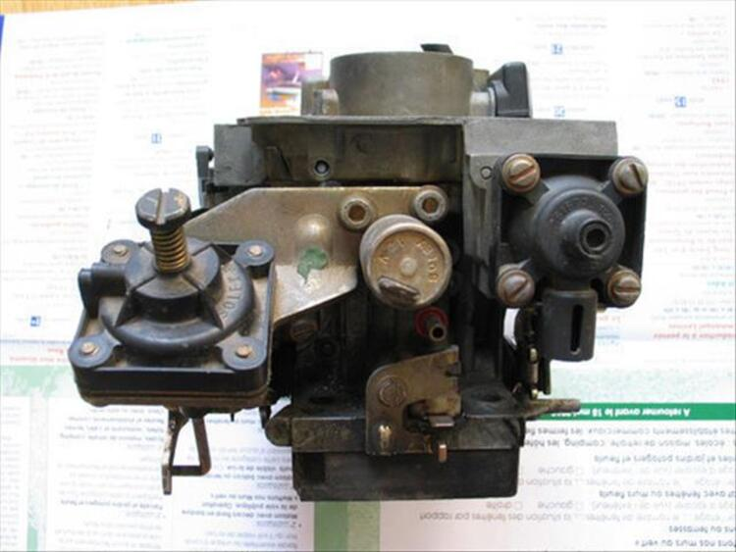Carburateur Solex 28-34 Z10 pour Renault R21 GTS. 88117039