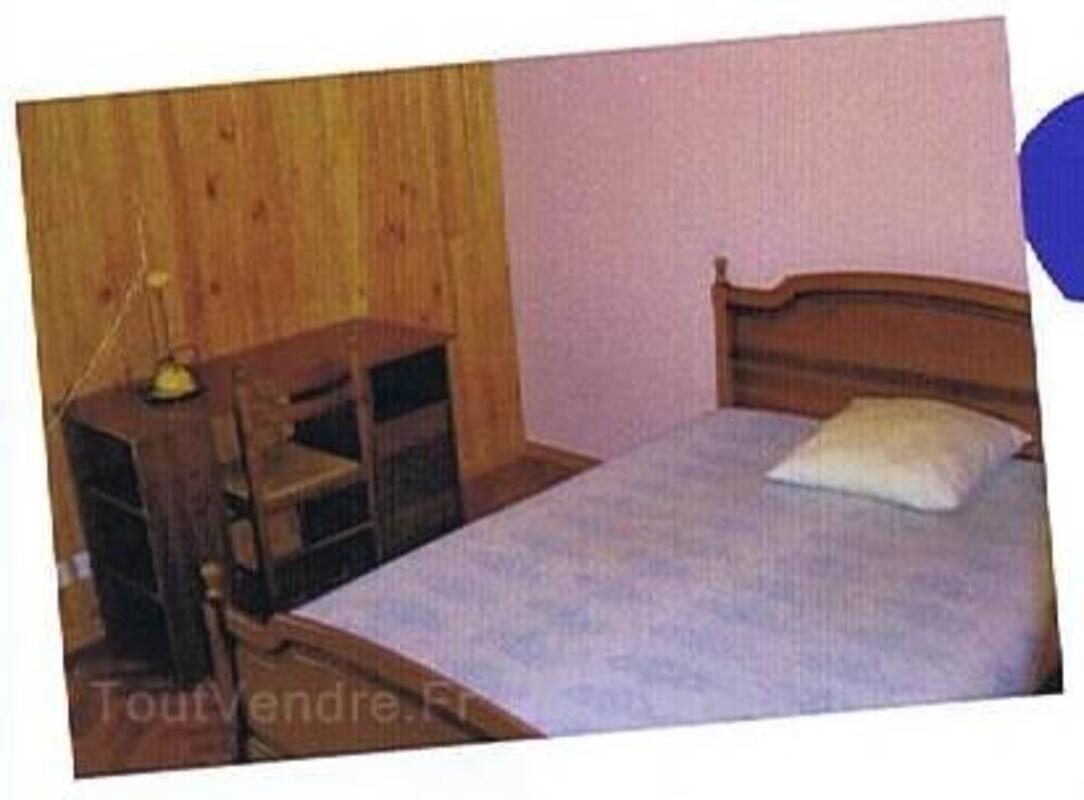 CARENTOIR, location chambre, cuisine meublées TBE 2509001