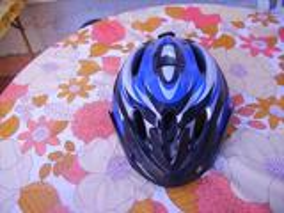 Casque vélo bleu