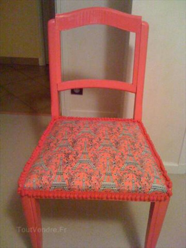 Chaise déco rose tour eiffel 64575899