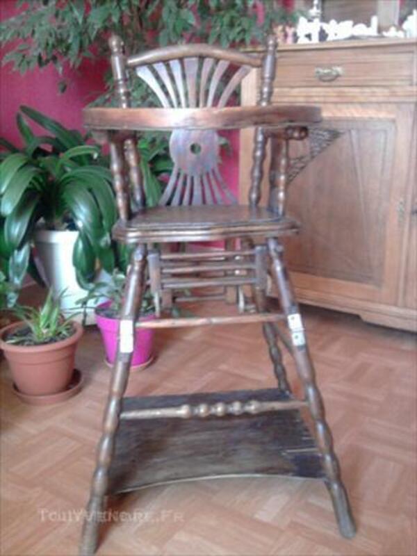 Chaise haute bébé ancienne 45544111