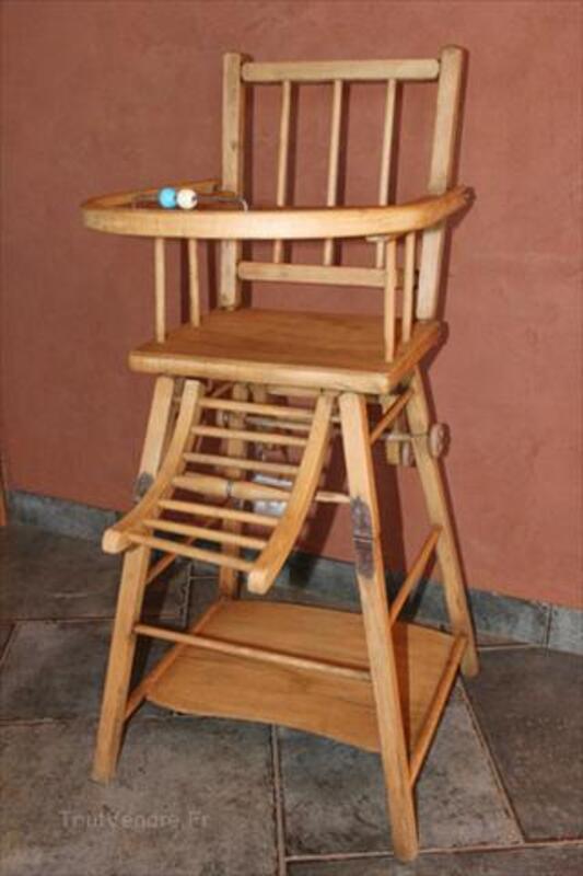 Chaise haute en bois pour bébé 64500685