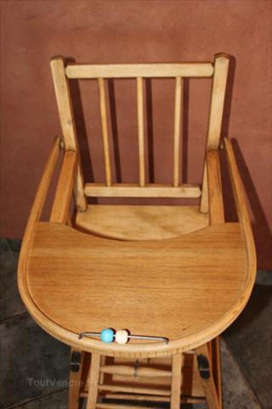 Chaise haute en bois pour bébé 64500686