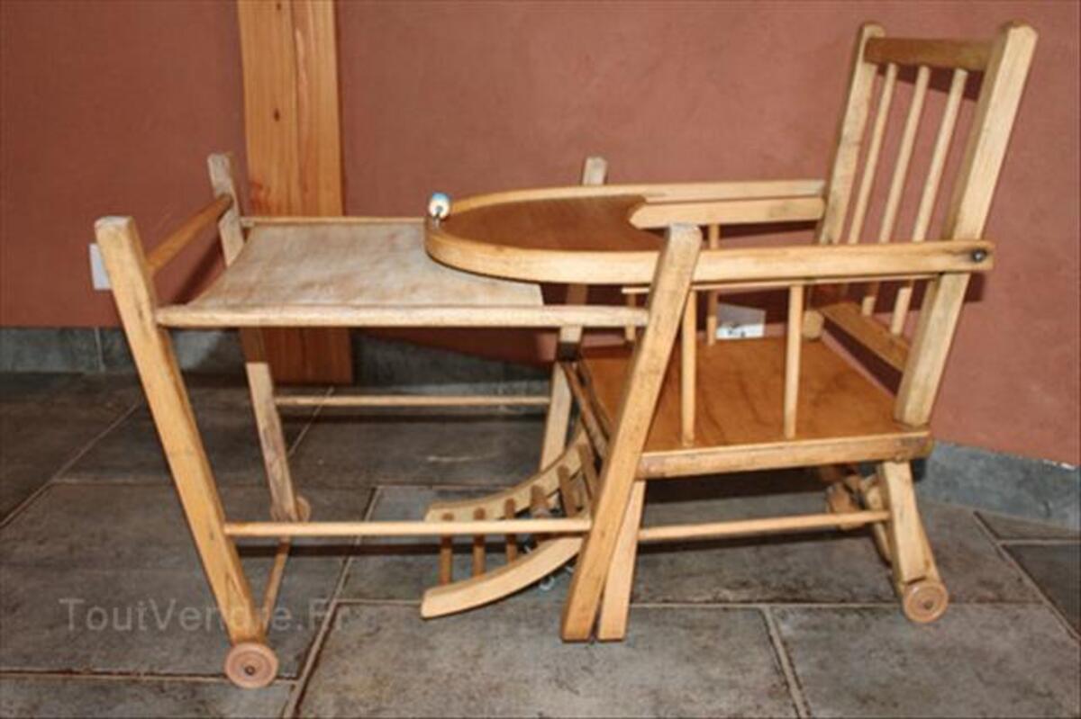 Chaise haute en bois pour bébé 64500687