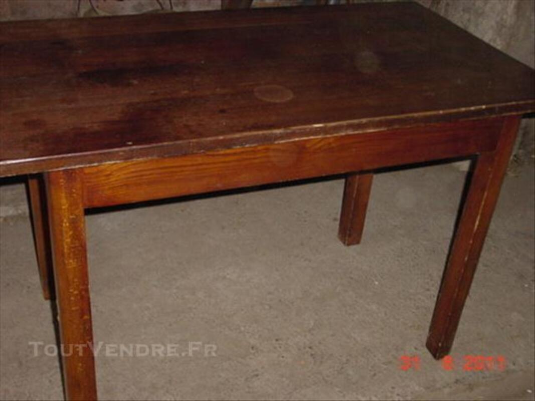 Chaises de cuisine ou bistrot avec table 74015989