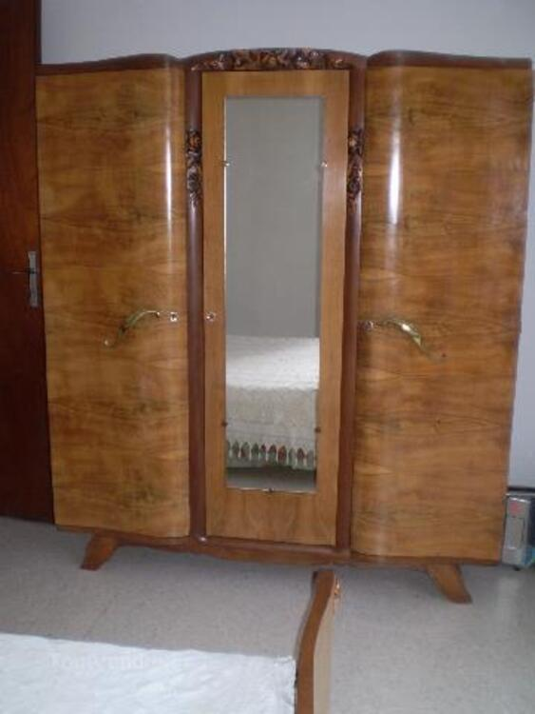 Chambre à coucher ancienne complète 93612870