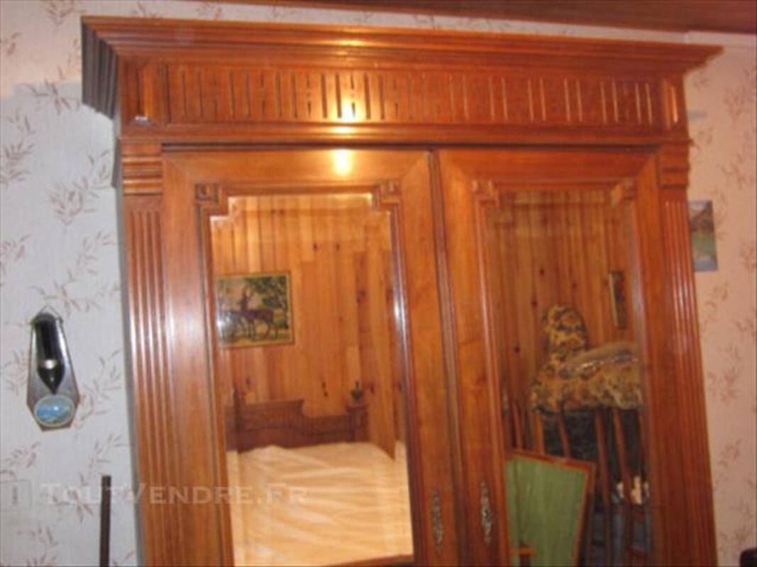 Chambre à coucher ancienne 85678695