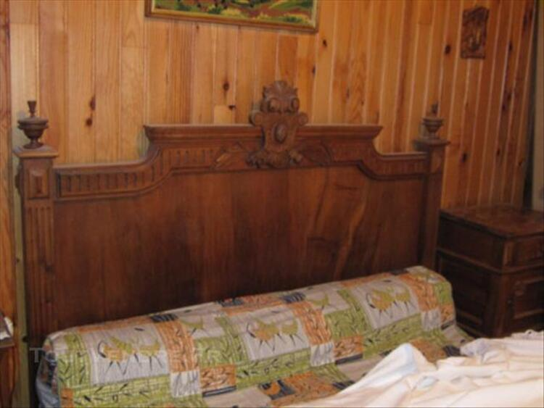 Chambre à coucher ancienne 85678697