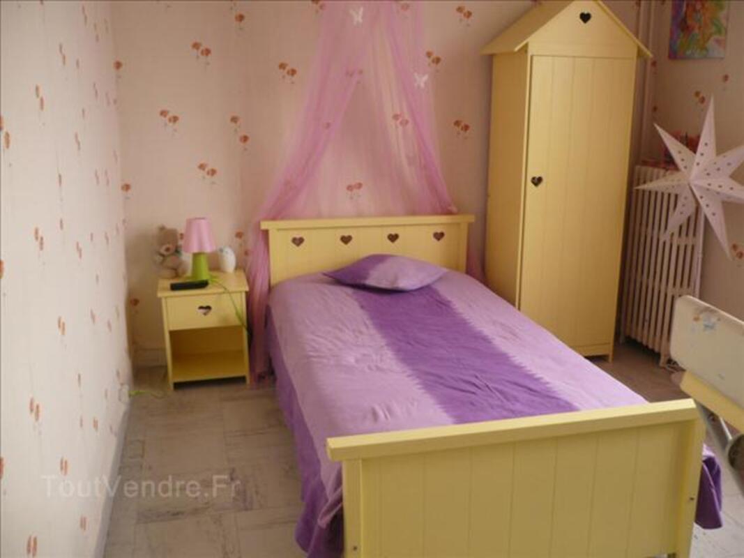 Chambre pour fille 71318680