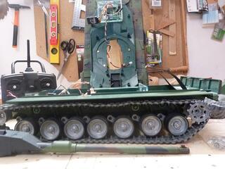 Char tank rc leopard 2A6 1/16 henglong