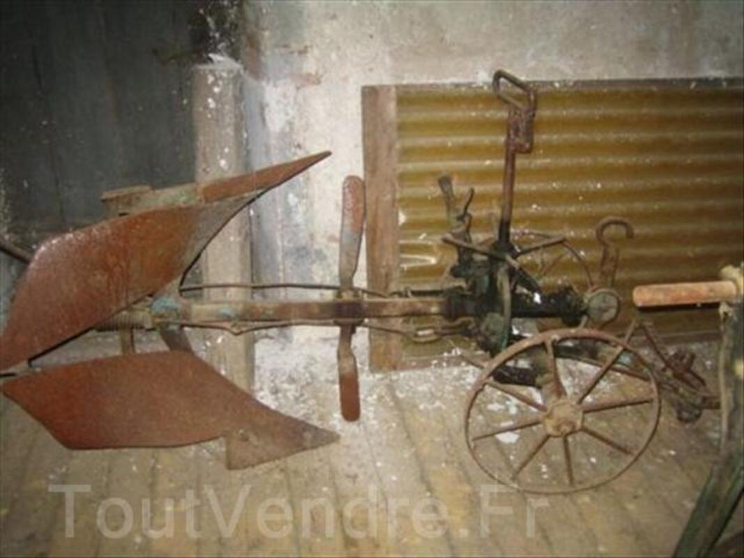 Charrue brabant ancienne RIVIERE et cie Quimperlé 56251469