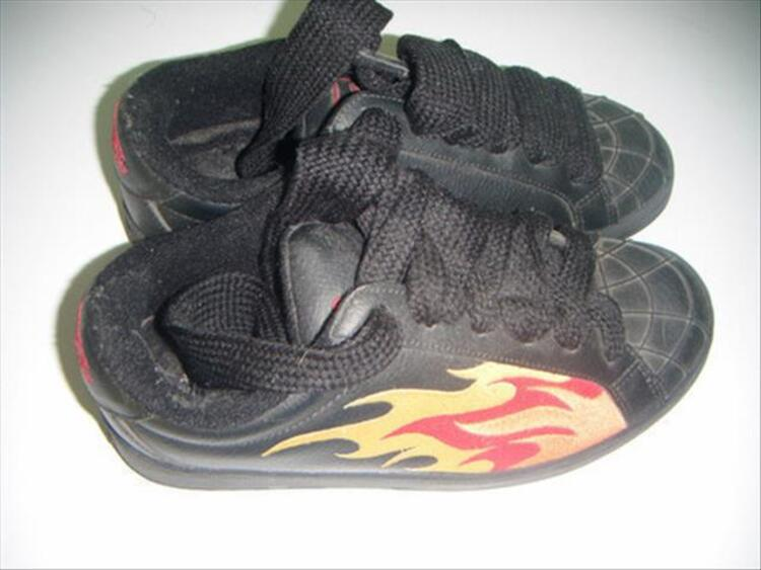 Chaussure buffalo flamme 85477422