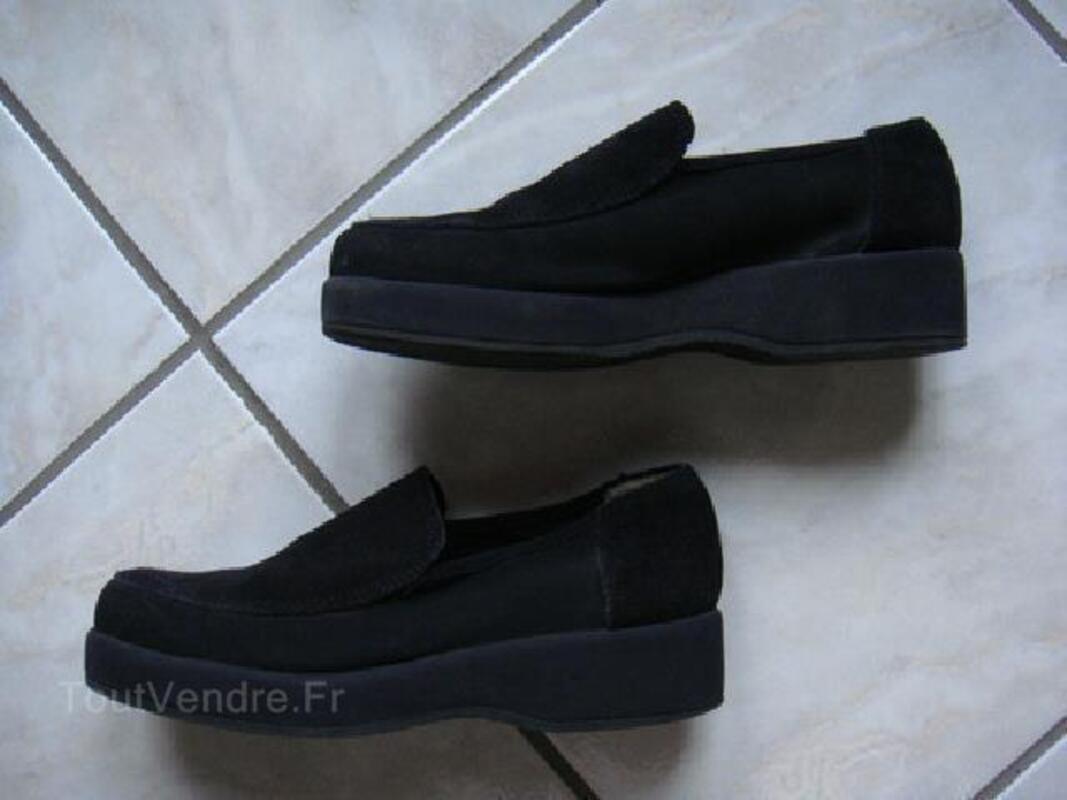 Chaussures daim noir - Pointure 35. 93018388