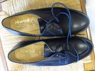 Chaussures de cérémonie en cuir de l'Armée Française