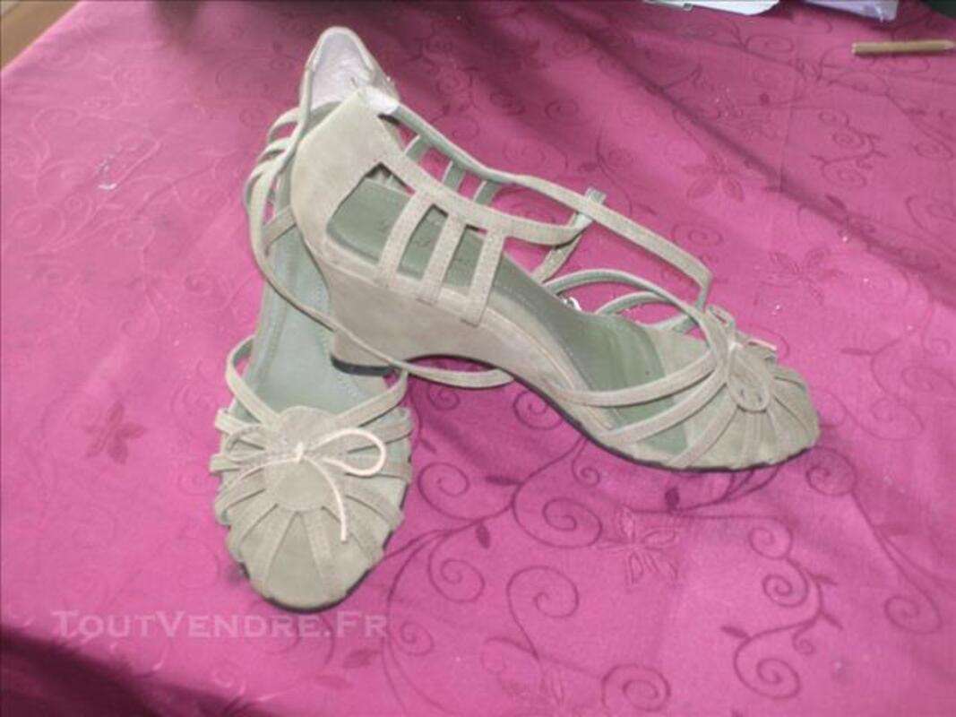 Chaussures Femmes neuves T38-39 82558570
