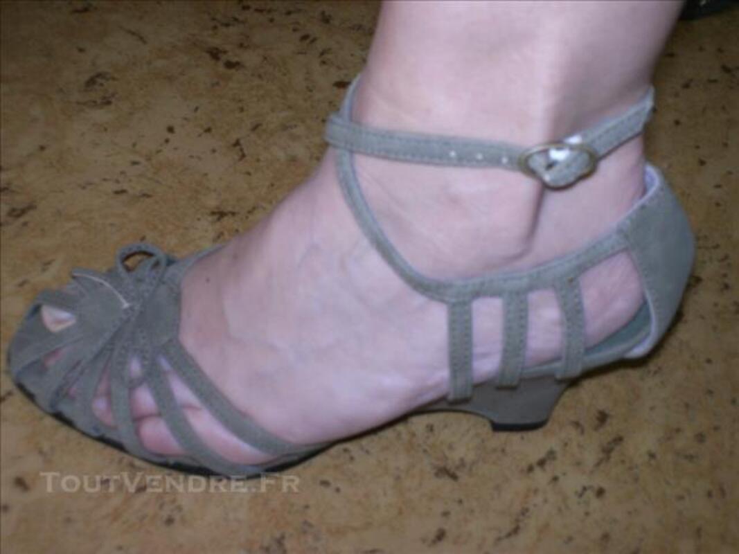 Chaussures Femmes neuves T38-39 82558572