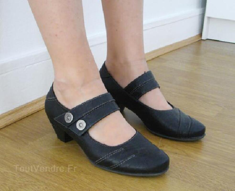 Chaussures noires petit talon / T 36 92920481