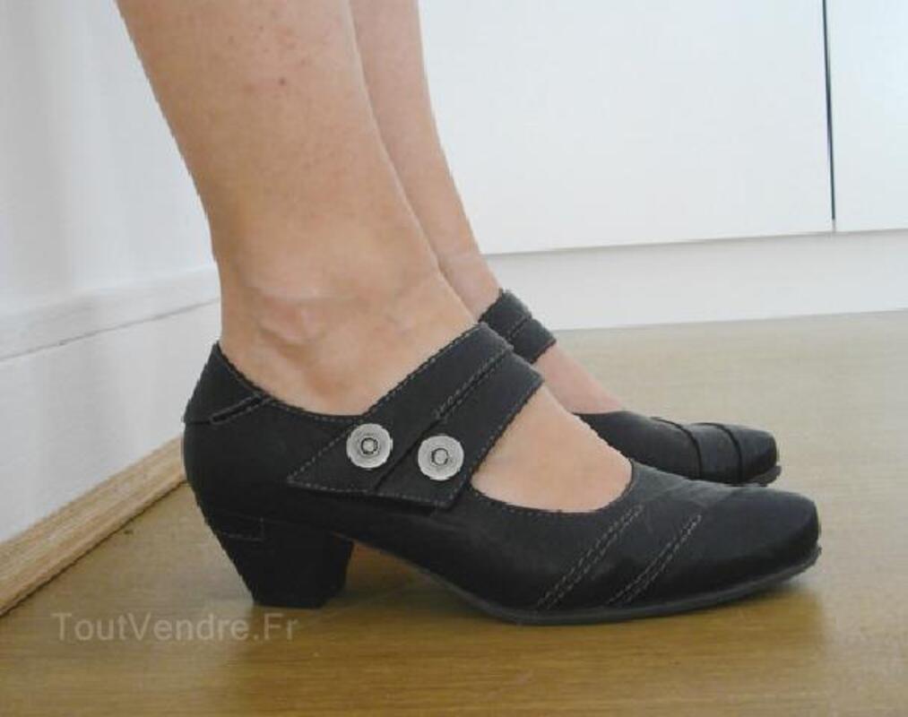 Chaussures noires petit talon / T 36 92920482