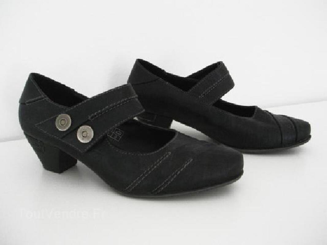 Chaussures noires petit talon / T 36 92920483
