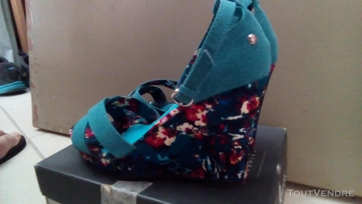 Chaussures stylées, jamais portées  Pointure 37 Prix 25€ 656937147