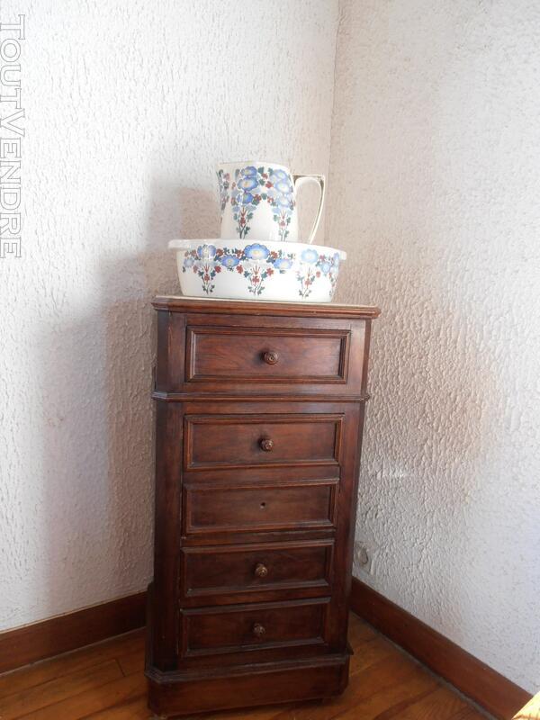 CHIFFONNIER-TABLE DE CHEVET ET BROC ET CUVETTE 124117069