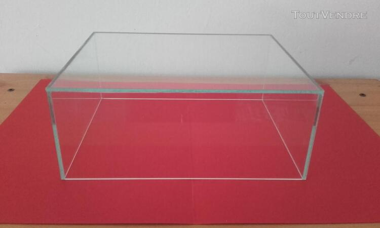 CLOCHE VITRINE DE PROTECTION 25x20x10 398006844