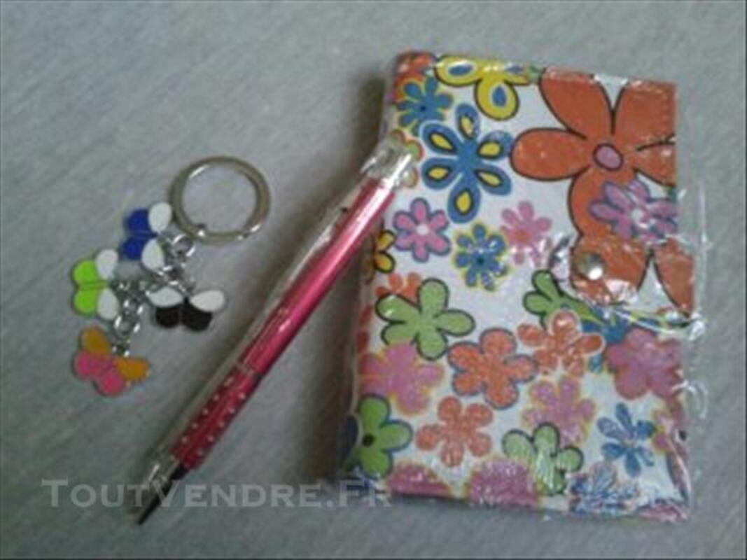 Coffret agenda soldé stylo porte clef rouge bleu fleur 77136180