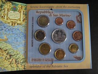 Coffret San Marino 2005 8 pcs BU+5 euros argent neuf